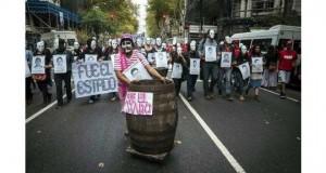 askeri_darbenin_yildonumu_onbinlerce_kisi_tarafindan_protesto_edildi_h95325