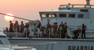 Ege'de göçmen faciası: Yarısı çocuk 30'dan fazla ölü