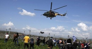 Yunanistan`da sığınmacılarla polis arasında gerginlik: 260 yaralı